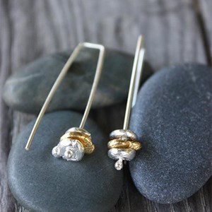 Hanging Rock earring