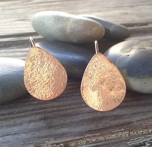 Tear drop textured earrings