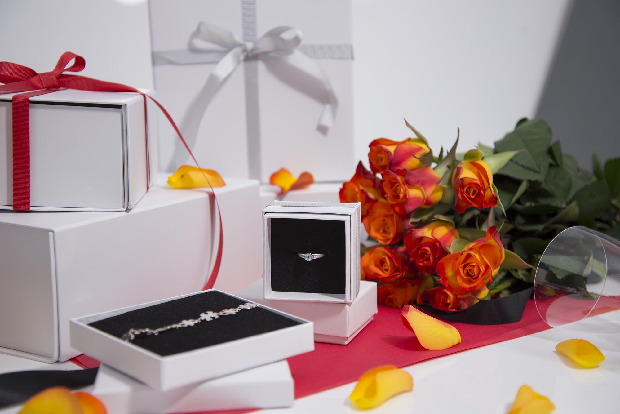Wednesday #wrapspiration - Christmas Gift Wrapping Ideas for Wedding Favours