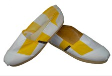Applegator Shoes - Yellow Stripe