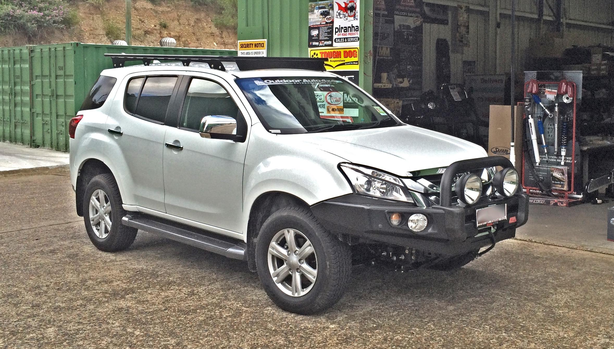 New Isuzu Mux 2014 Vs Montero Sport 2014 Release Reviews And Models ...
