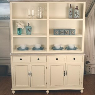 Buffet and Hutch Chateau - Large 'Beachmere'