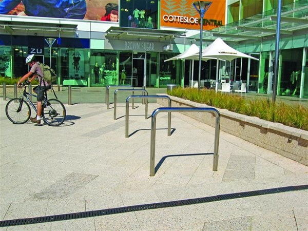 B005 Hoop Bike Rack