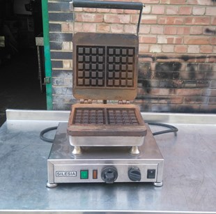SILESIA STAINLESS STEEL BRUSSELS WAFFLE MACHINE
