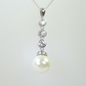 Pearl and 'Diamond' Pendant