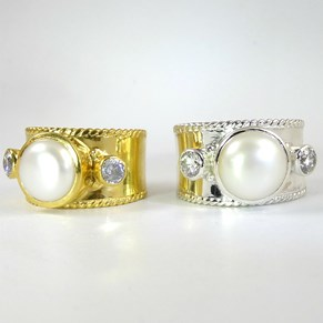 NEW! The PEARL Guinevere Ring
