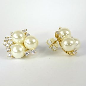 Jackie O and Melania Trump-style Pearl and Diamond Clusters