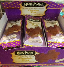 Harry Potter Chocolate Frog with collectable wizard card 15g
