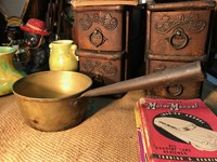 Antique English Brass Country Kitchen Pot Cast Iron Handle