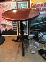 Vintage Australian Cedar Wine occasional Table Pedestal Base Pie Crust Rim